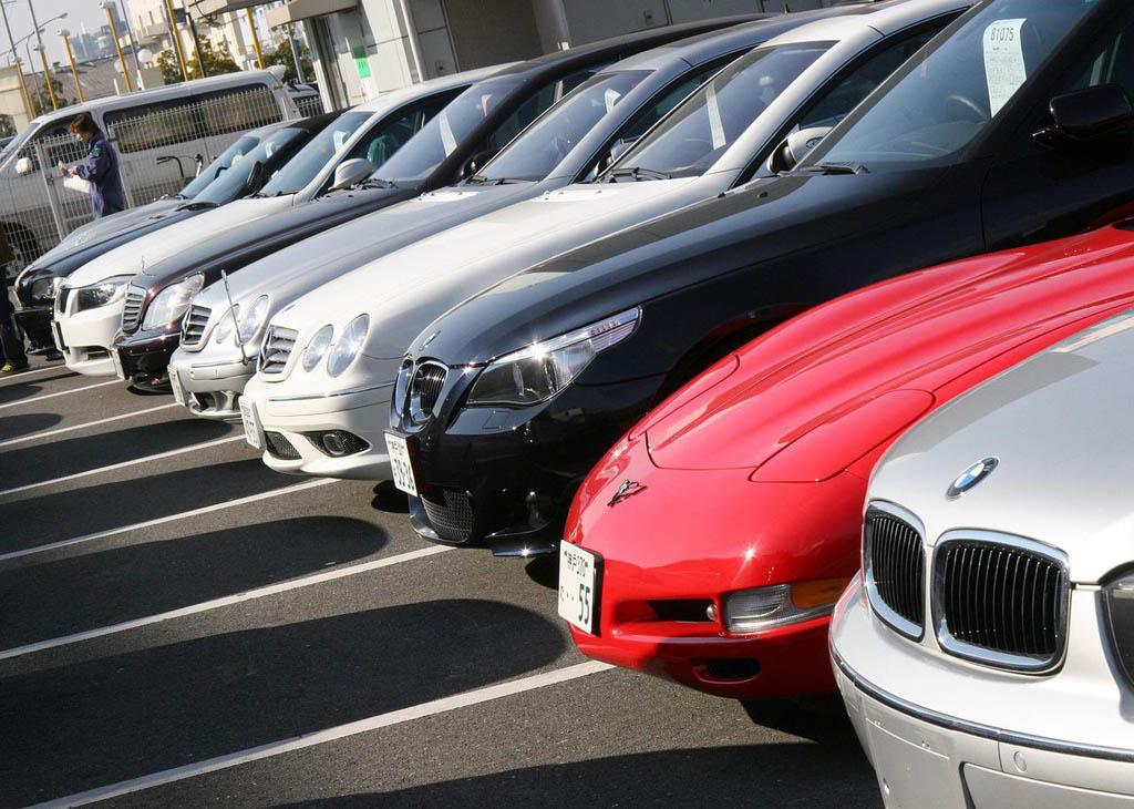 Как продают арестованные автомобили судебные приставы на аукционах? Реально ли купить такое авто?